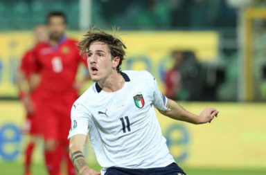 Nicolo Zaniolo in action for Italy.