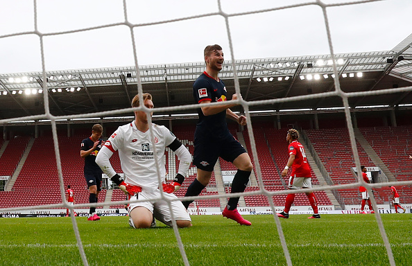 Timo Werner celebrates after scoring against Mainz.