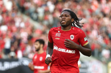 Dieumerci Mbokani has admitted he regrets not signing for Liverpool.