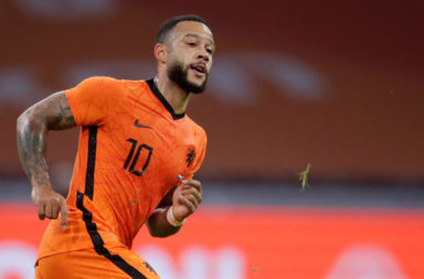 Liverpool should look at signing Memphis Depay on a free.