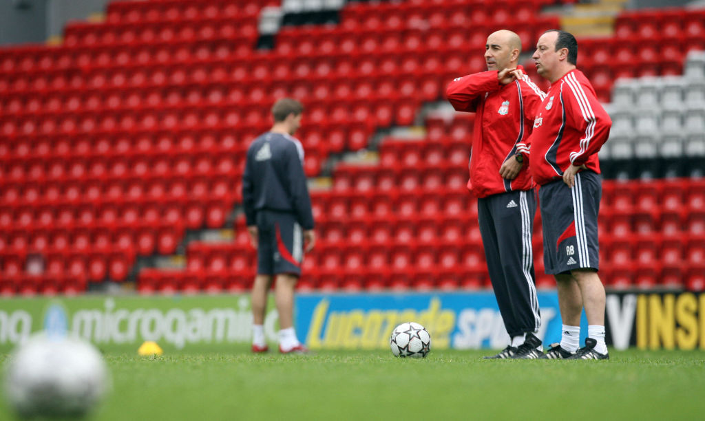 Liverpool manager Rafael Benitez (R) and