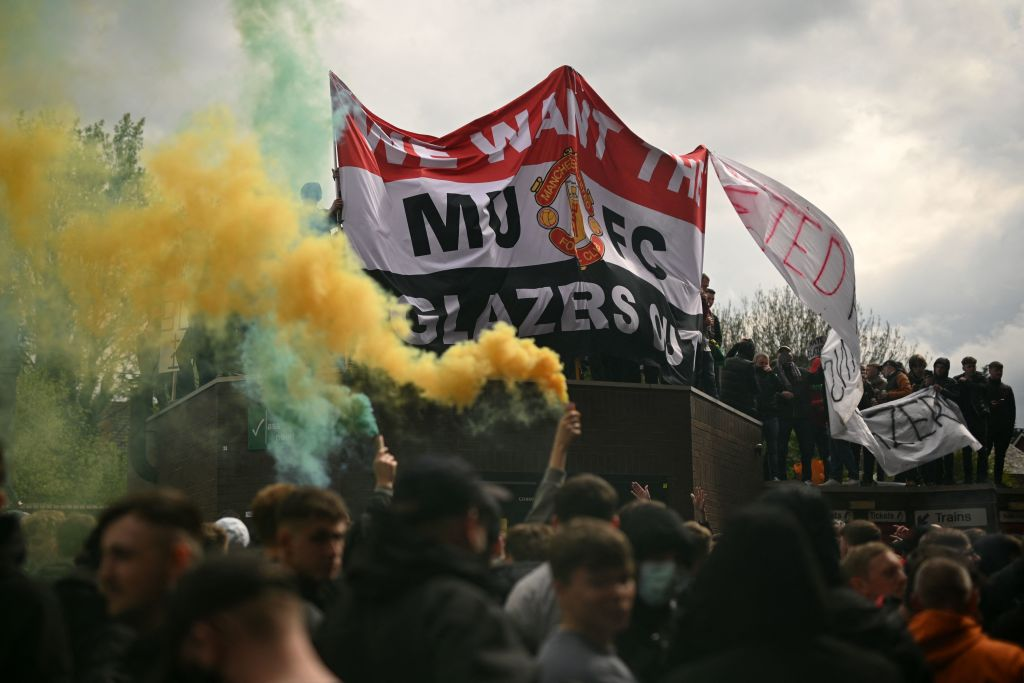 Here is the latest on the Liverpool v Manchester United kick off time