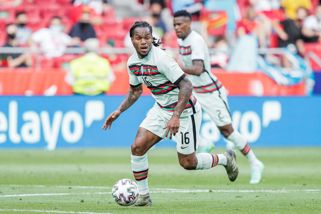 Liverpool could move for Renato Sanches and change system as a result.