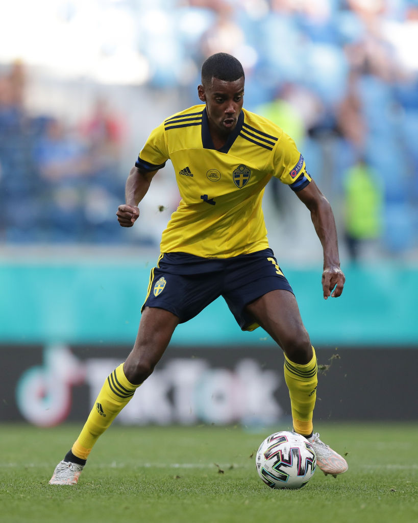 Liverpool need to act fast to sign Alexander Isak