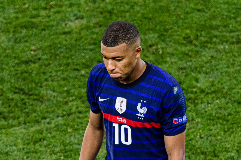 Liverpool fans are ecstatic about news Kylian Mbappe will not extend his contract at PSG