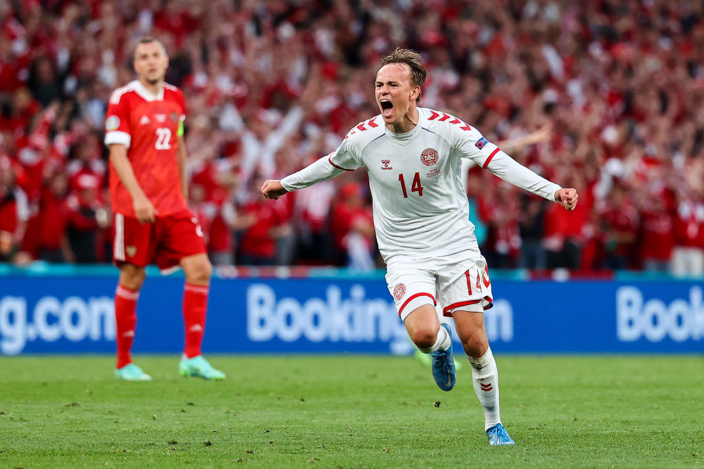 Liverpool can talk to Mikkel Damsgaard after a £30m bid is made
