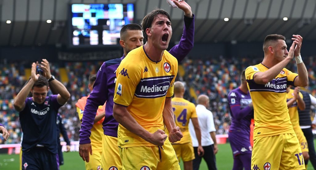 Dusan Vlahovic rejects a contract offer from Fiorentina.